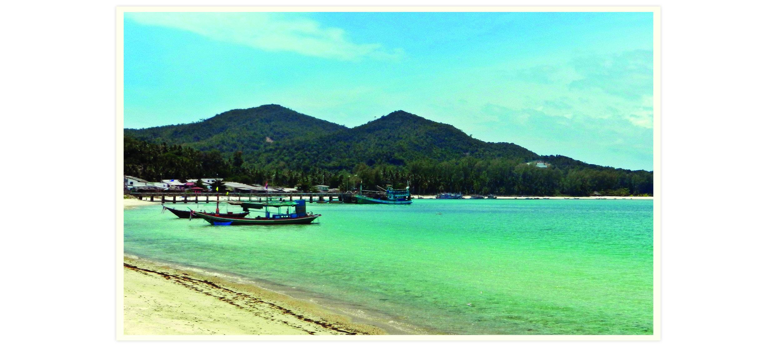 Voyage en Thaïlande. Long tail boat au bord de la mer à Koh Phangan